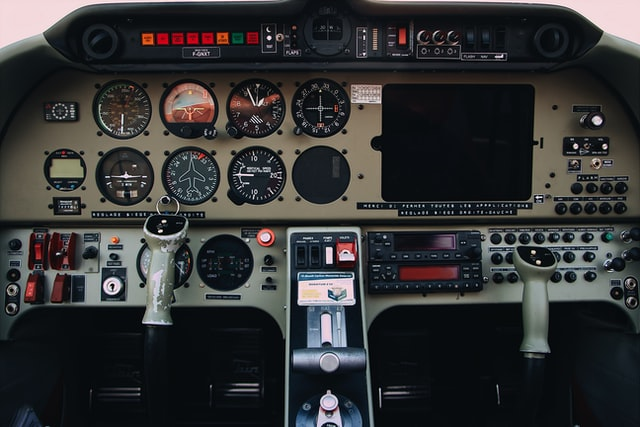 Cockpit - Norfolk Aviation - Private Plane Sales - Small Aircraft Sales - Sell Cessna